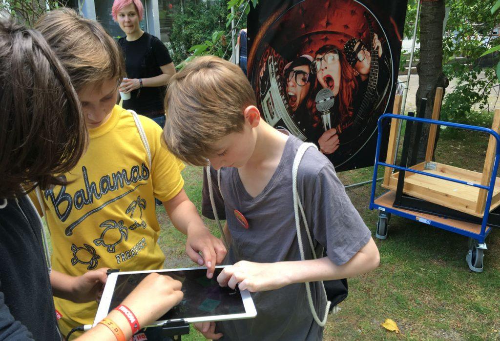 PlayGround-App-Music-Blog-Carnival-MK2